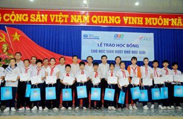 (Tiếng Việt) Bimico Trao 208 suất học bổng cho học sinh vượt khó học giỏi